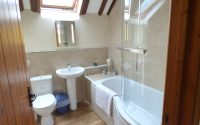1 Old Rectory Cottage Mews dinas country club bathroom